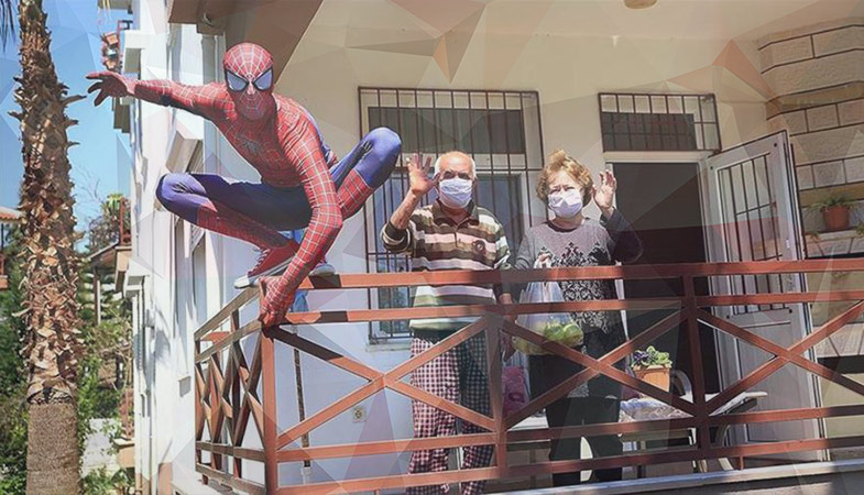Spider-Man Began Delivering Food To The Elderly In Quarantine In Antalya